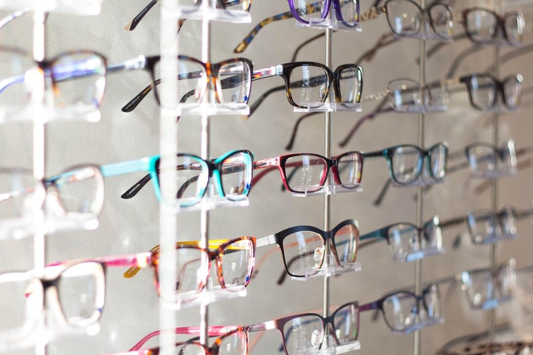 Follow This Guide Whenever you are Choosing the Right Eye Glasses
